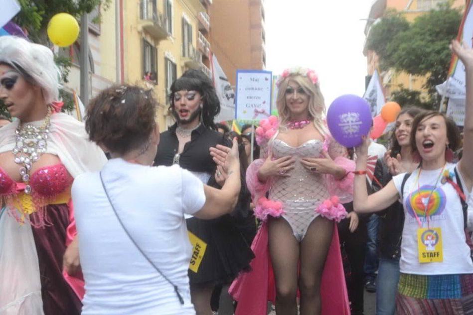 Diritti al Cuore, Sassari sfila contro omofobia, razzismo e sessismo