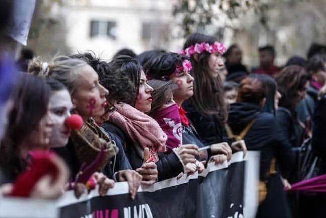 A Oristano il flash mob delle femministe cilene