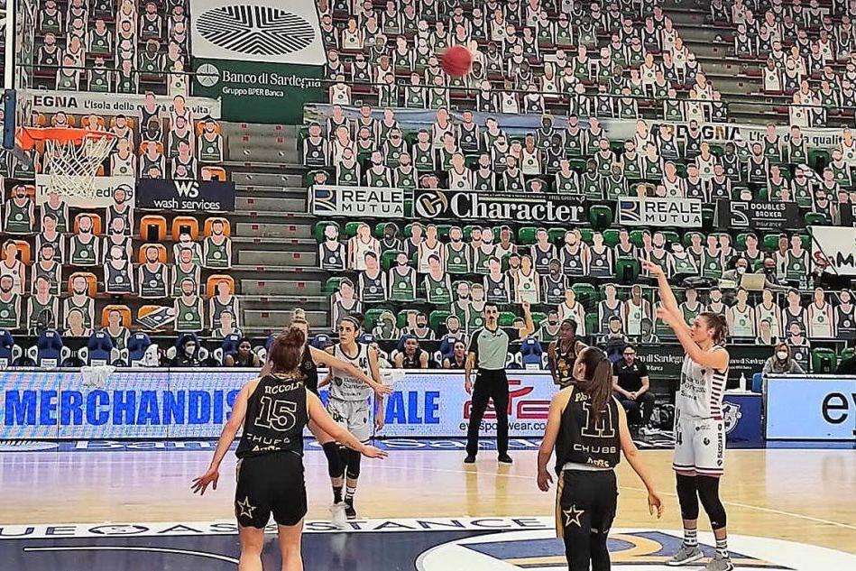 Basket femminile: la Dinamo sprecona viene raggiunta dal Lucca e battuta al supplementare 91-80