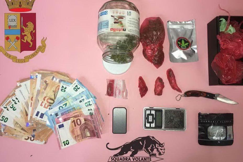 Vendeva droga girando per Cagliari in monopattino: arrestato