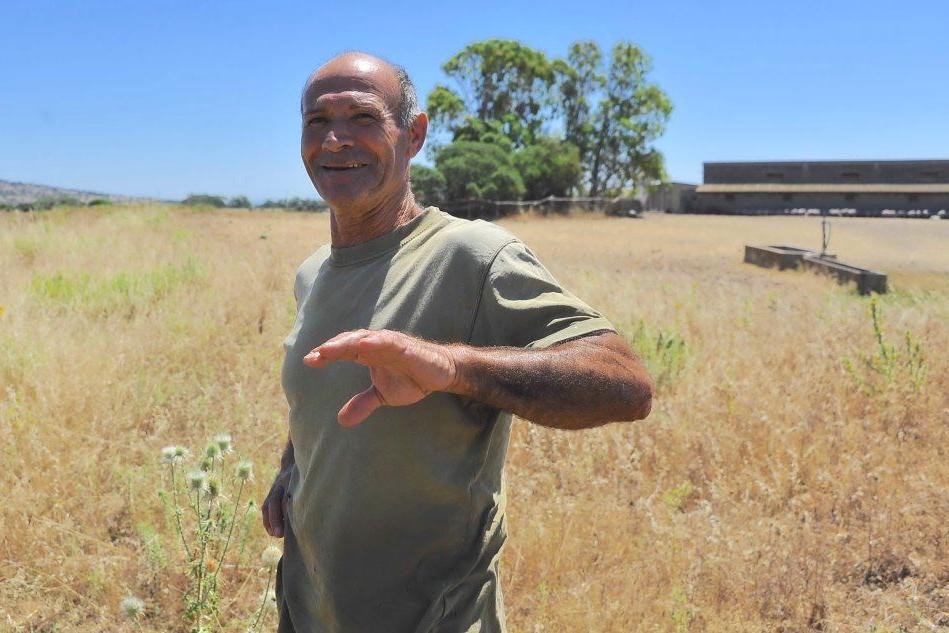 Perdita d'acqua a Narbolia (un agricoltore)