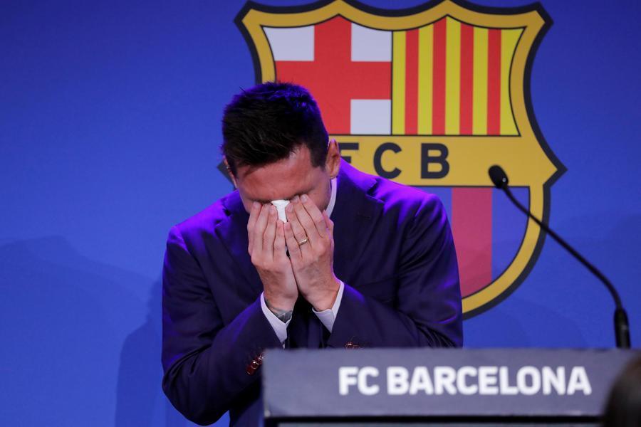 """Messi, l'addio in lacrime al Barcellona: """"Non ero pronto per questo. Il Psg? Stiamo parlando"""""""