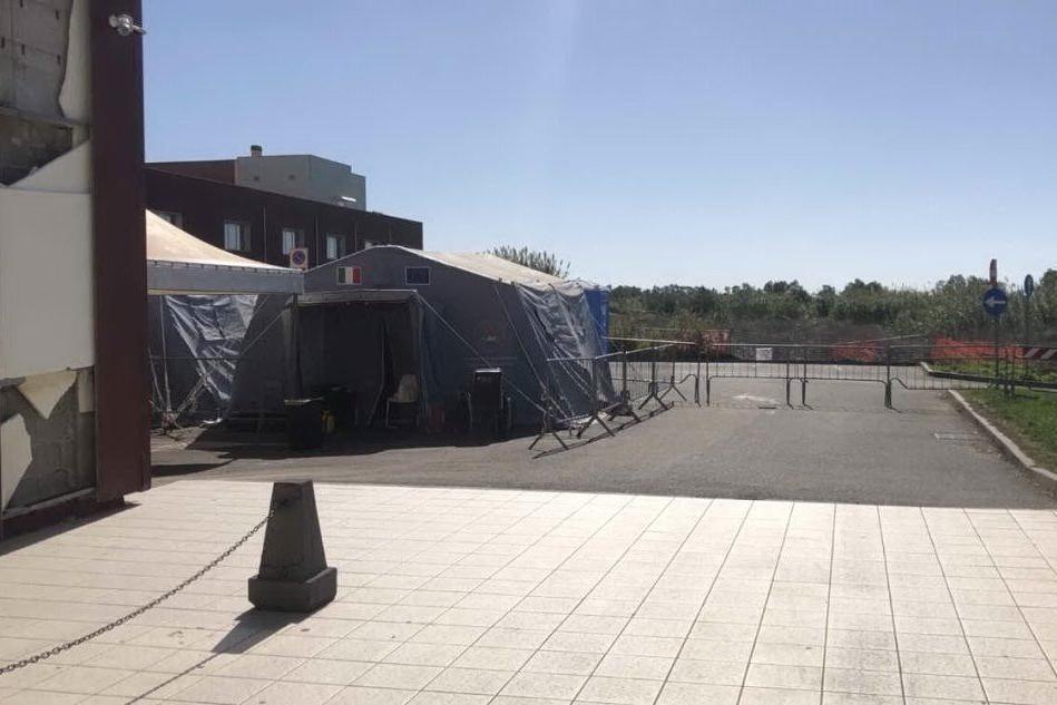 Covid, San Martino ancora blindato: pazienti positivi in pronto soccorso