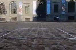 """Le sculture invisibili di Salvatore Garau, """"metafore del presente"""""""
