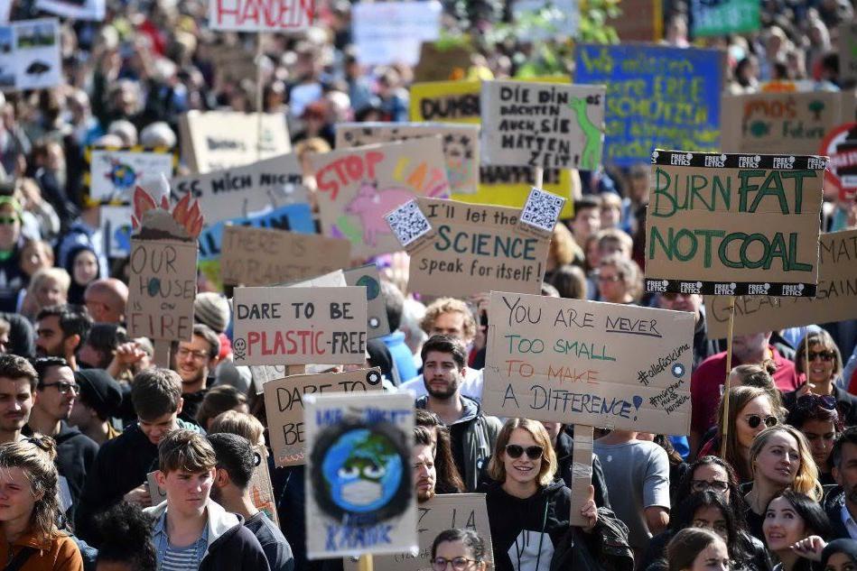 Giovani di tutto il mondo in piazza per l'ambiente
