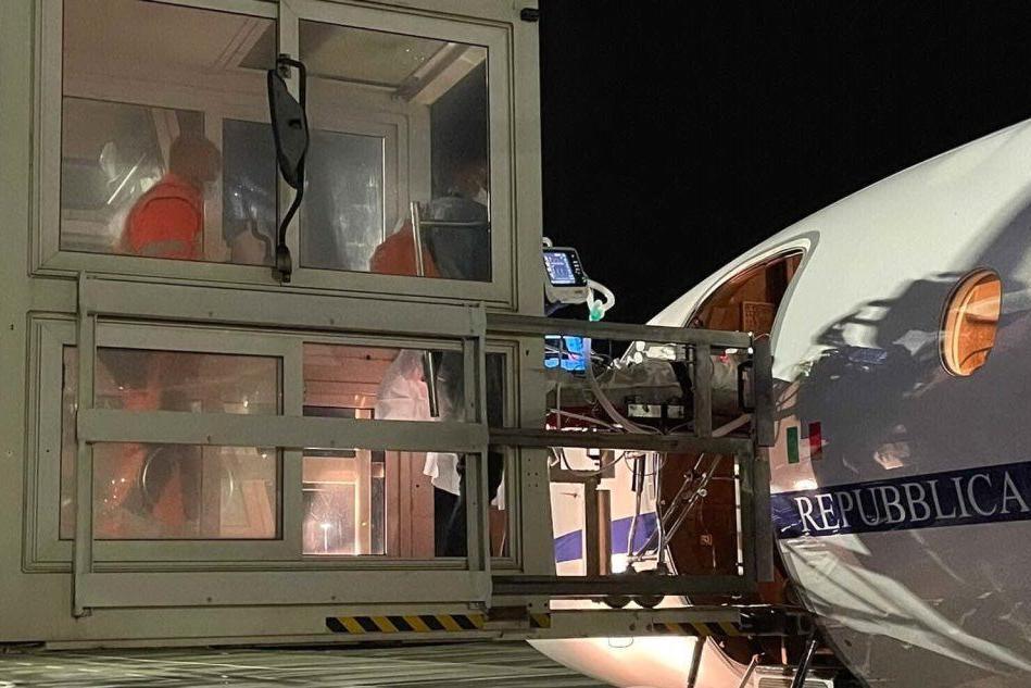 Cagliari, giovane donna in pericolo di vita: volo d'urgenza verso Verona