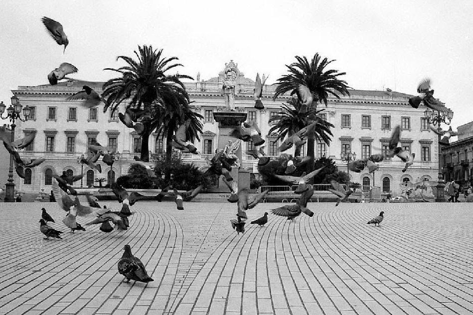 Piazza Italia Sassari (archivio L'Unione Sarda)