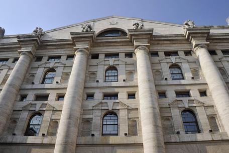 Chiusura negativa per Piazza Affari: Ftse Mib -0,72%