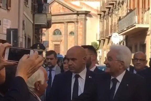 """Mattarella saluta la SardegnaPigliaru: """"Lo Stato ci aiuti"""""""
