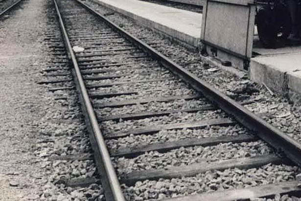 Genova, treno bloccato dal gelo riparte dopo ore