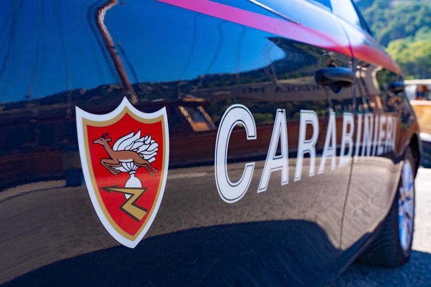 In macchina con l'ascia, denunciato a Carbonia