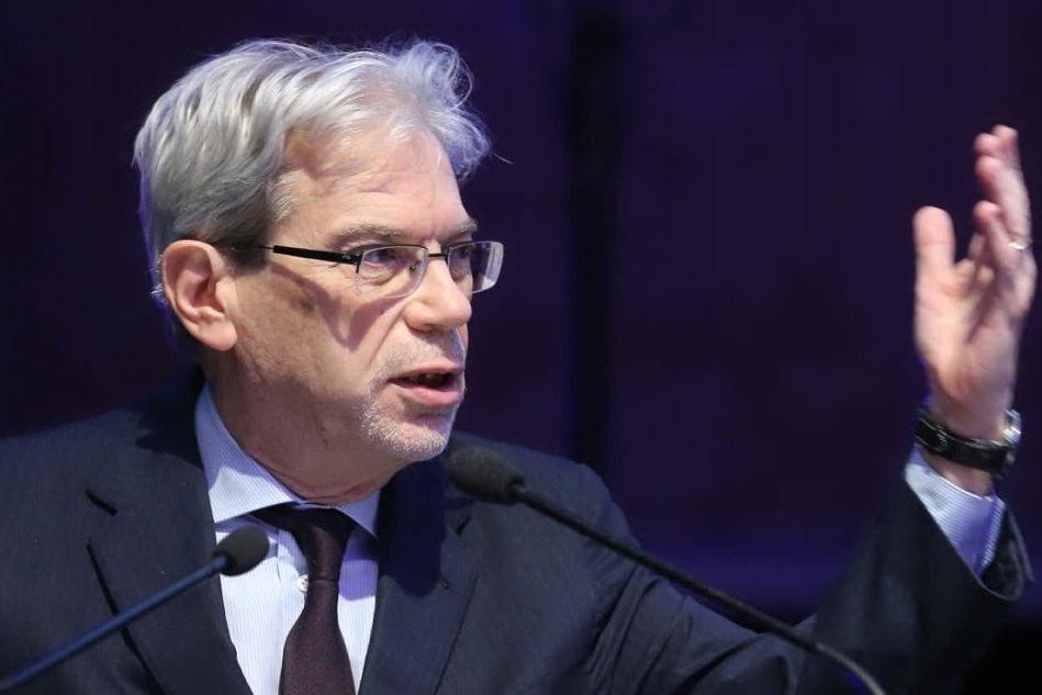 """""""Il ponte sullo stretto? Un'ipotesi reale"""": il ministro De Vincenti apre al progetto"""