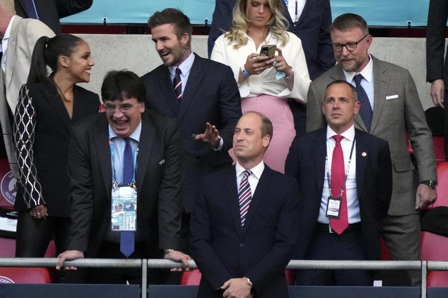 """William e Kate: """"La Coppa sta tornando a casa"""", ma l'Inghilterra non l'ha mai vinta"""