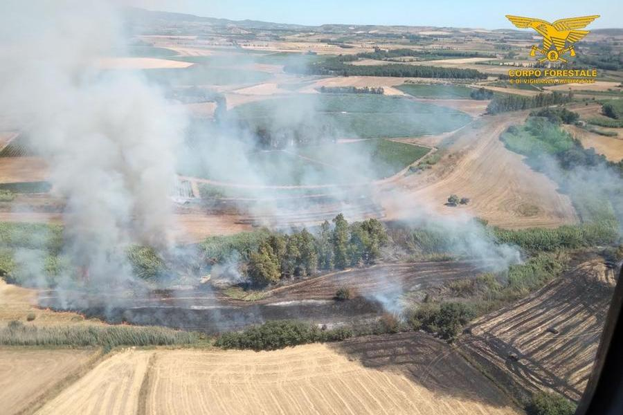 Altri 18 incendi nell'Isola, i più grossi a Ussana e Villanovafranca