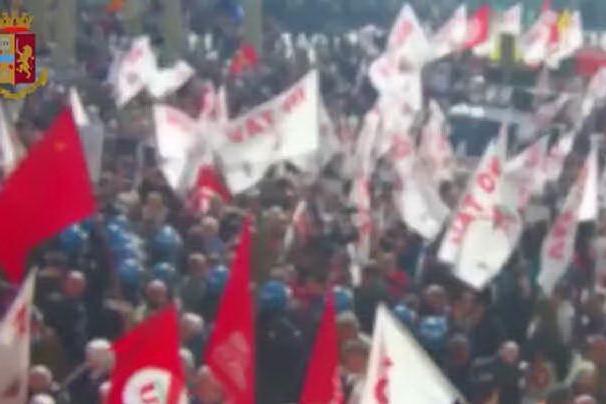 Torino, 13 misure cautelari per gli scontri del Primo maggio