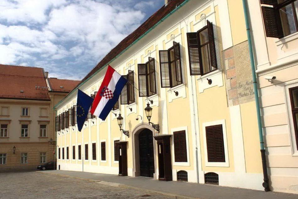 Zagabria, sparatoria davanti ai palazzi governativi: suicida l'autore dell'attacco