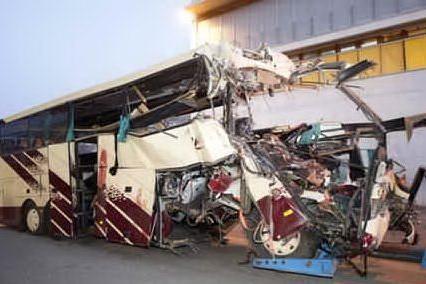 #AccaddeOggi - 14 marzo 2012, tragedia in galleria: muoiono 22 bambini