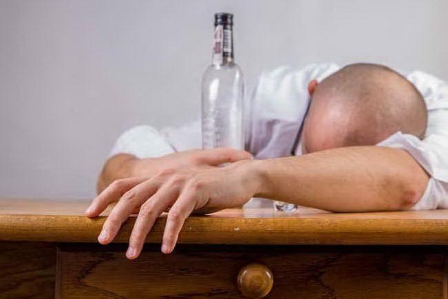 Trenta volte ubriaco in Pronto soccorso, espulso cittadino indiano