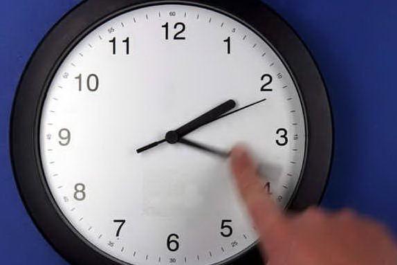 """Scatta l'ora legale: cosa mangiare per disinnescare il """"jet lag"""""""
