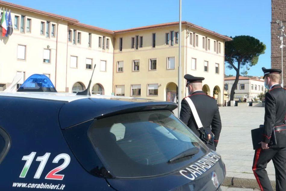 Minacce di morte e insulti alla ex moglie, denunciato a Carbonia