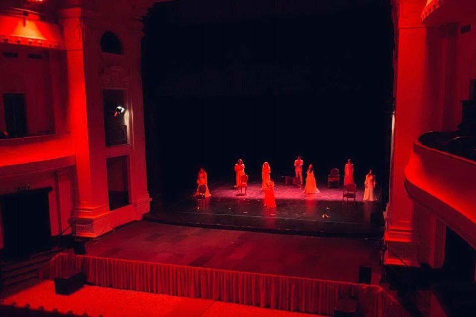 Sassari, al Teatro Verdi l'omaggio alle donne vittime di violenza