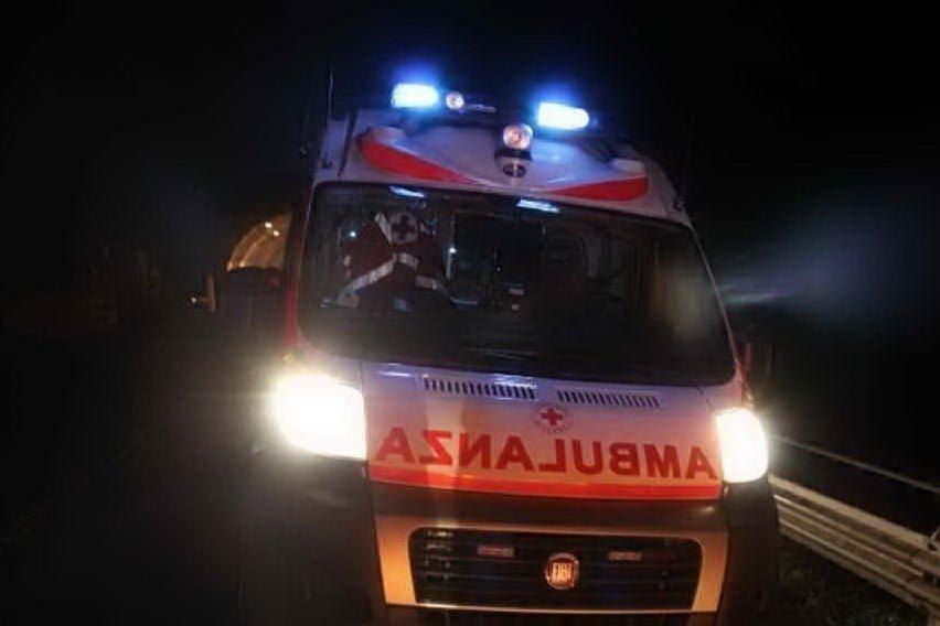 Un'ambulanza (archivio L'Unione Sarda)