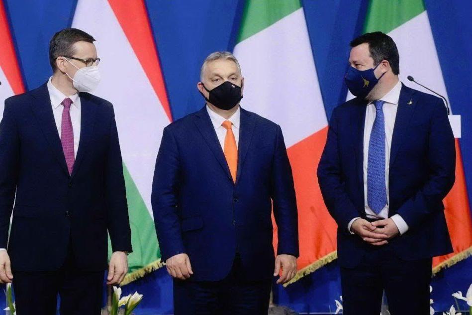 """Salvini vede Orban e il polacco Morawiecki: """"Serve un Rinascimento europeo"""""""