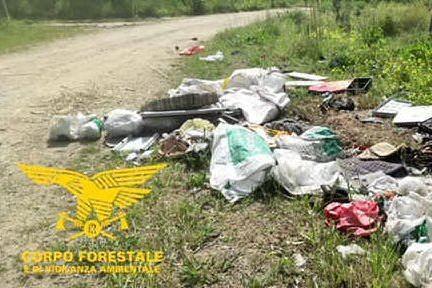 Santa Giusta, sanzionati quattro furbetti dei rifiuti