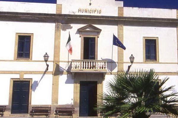 Calasetta, spunta un debito di 40mila euro del Comune per vecchie spese processuali