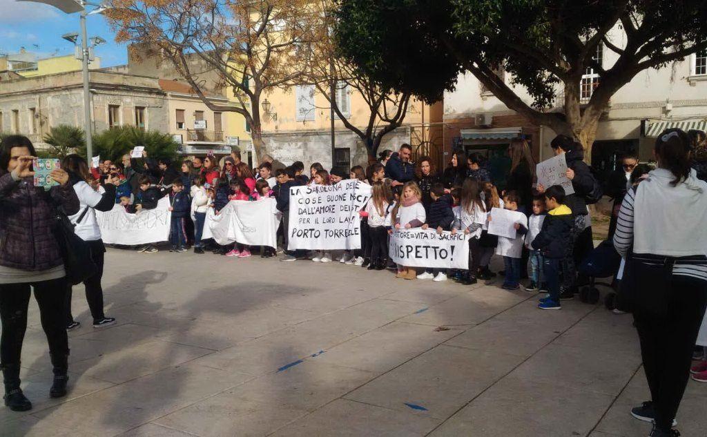 Studenti a Porto Torres (foto di una lettrice)