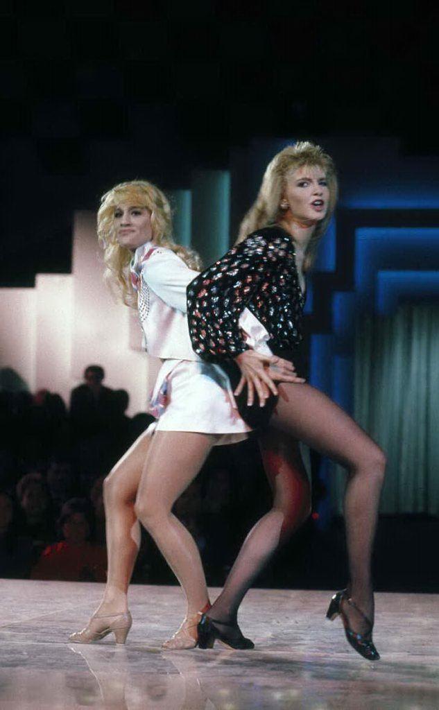 """Heather Parisi e la \""""rivale\"""" Lorella Cuccarini (foto Wikipedia)"""