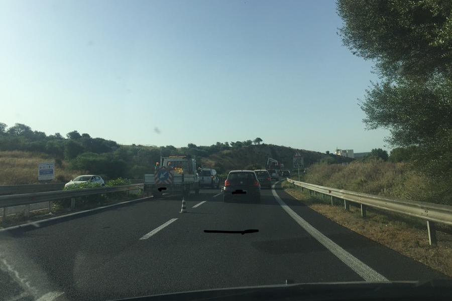 Lavori sulla Statale, ancora una volta alle 8: code e rallentamenti a Cagliari