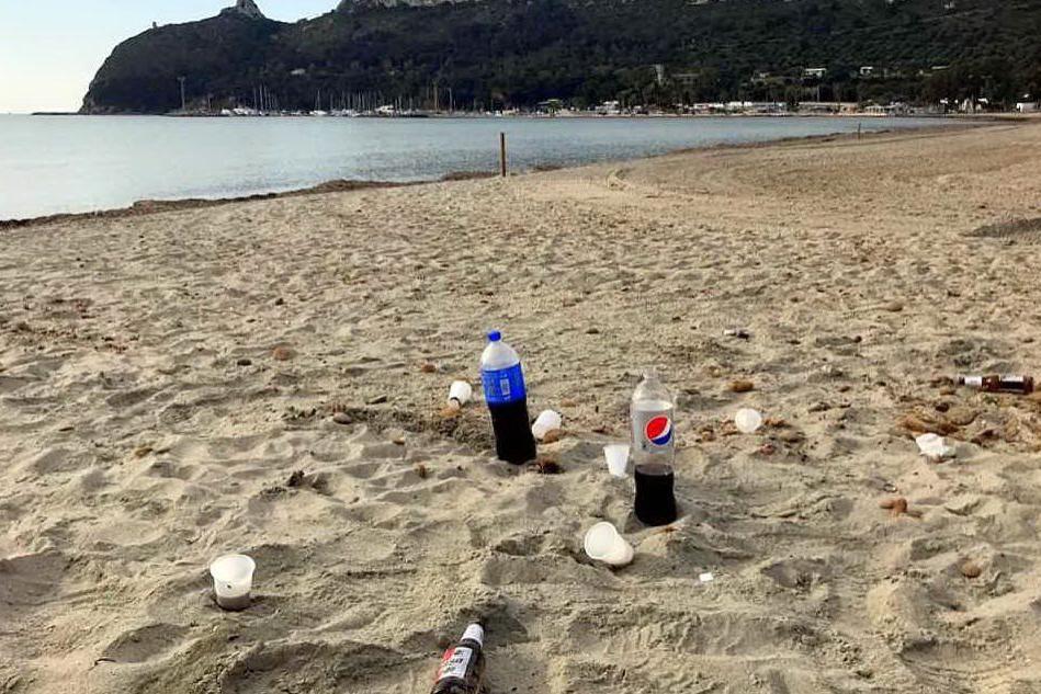 Cagliari, la guerra alla plastica parte dal Poetto