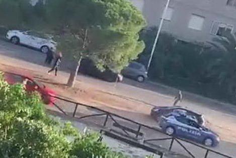 Non si ferma all'alt della polizia: spari a Sant'Elia