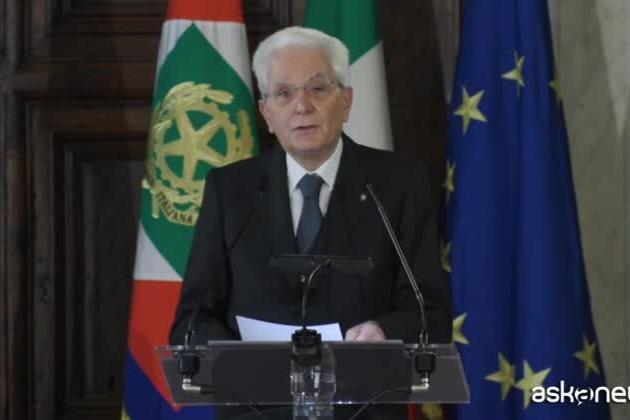 """Mattarella: """"Alleanza tra generazioni per uscire dallo stallo"""""""