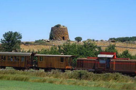Il trenino verde torna a viaggiare: corse tra Macomer e Bosa dal primo giorno di primavera