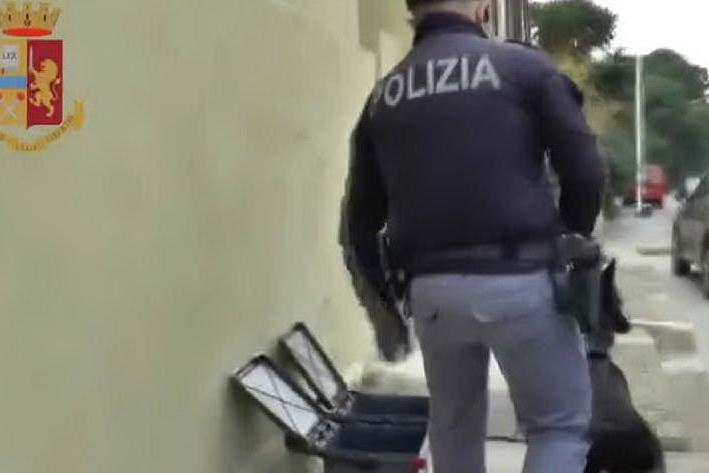 Sant'Elia, soldi, armi e droga: un arresto