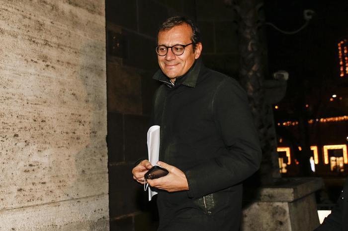 Ilva, ai domiciliari l'ex commissario Enrico Laghi: è accusato di corruzione