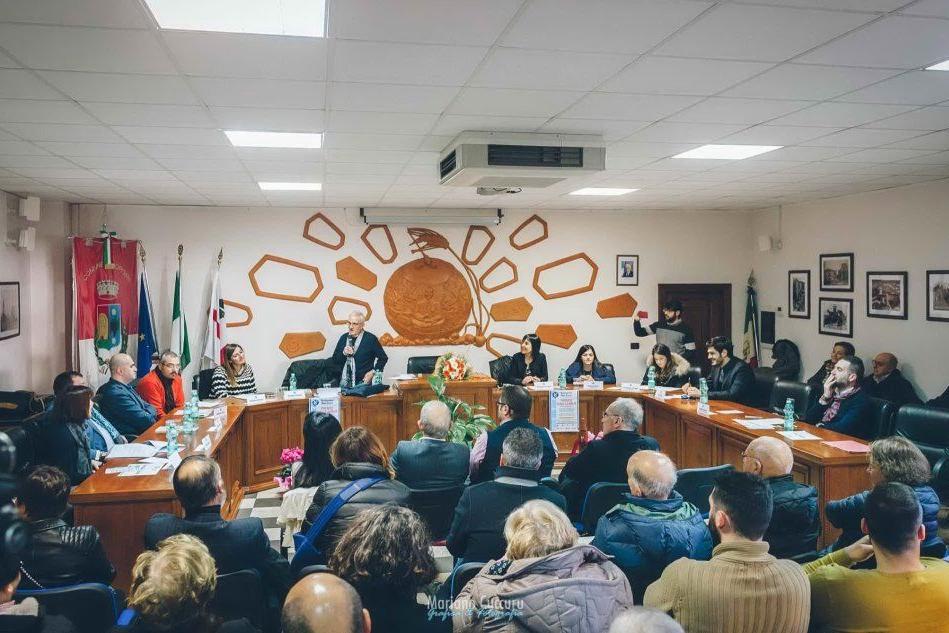 Spopolamento a Macomer, l'associazione Nino Carrus incontra gli esponenti del Consiglio regionale