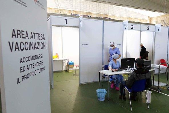 Il 29 open day a Iglesias, corsa contro il tempo per arrivare all'80% di vaccinati entro settembre