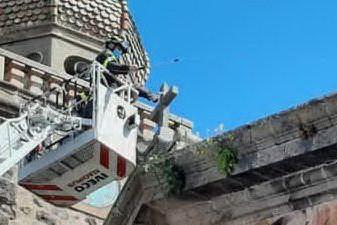 Ghilarza, vigili del fuoco in azione alla Chiesa dell'Immacolata