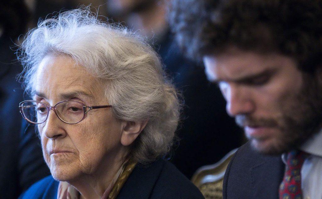 Mina Welby assiste all'udienza pubblica (Ansa)