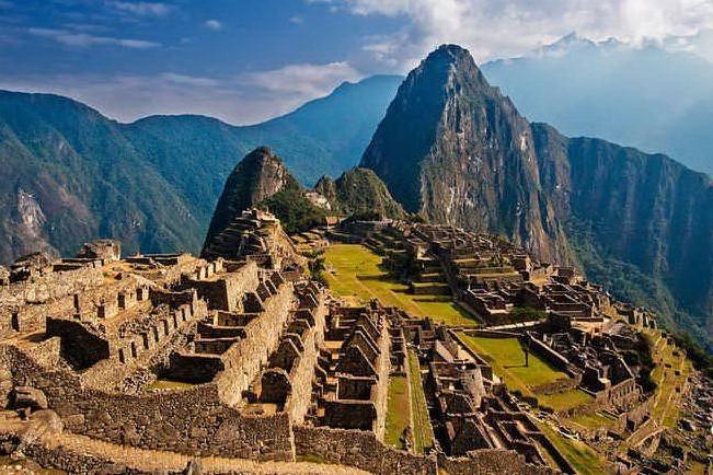 Defecano tra le rovine del Machu Picchu, sei turisti nei guai