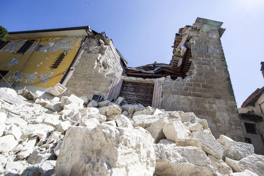 Il campanile crollato\u00A0(Ansa - Percossi)