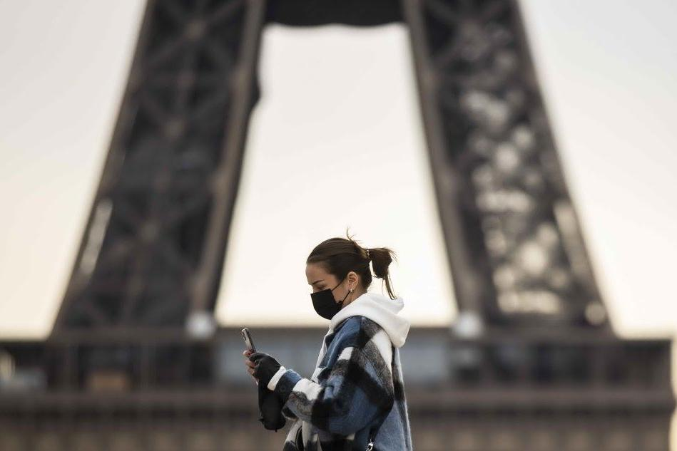 Covid, Parigi vieta arrivi e partenze verso i Paesi extra-Ue