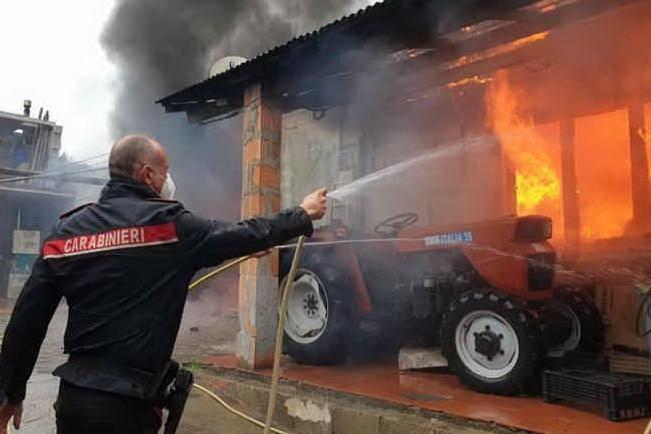 Incendio in un'abitazione di Villamar, in salvo 9 persone. Due stanze distrutte