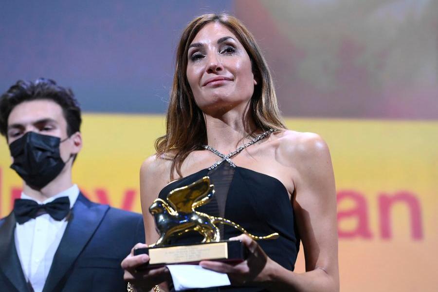 """Venezia,Leone d'Oro a """"L'événement' di Audrey Diwan. Per Sorrentino Gran Premio della Giuria"""