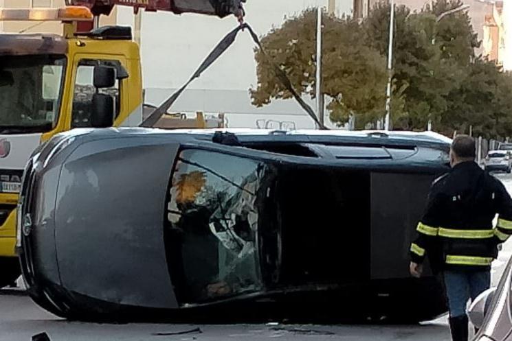 Sassari, auto si ribalta: conducente miracolosamente illeso