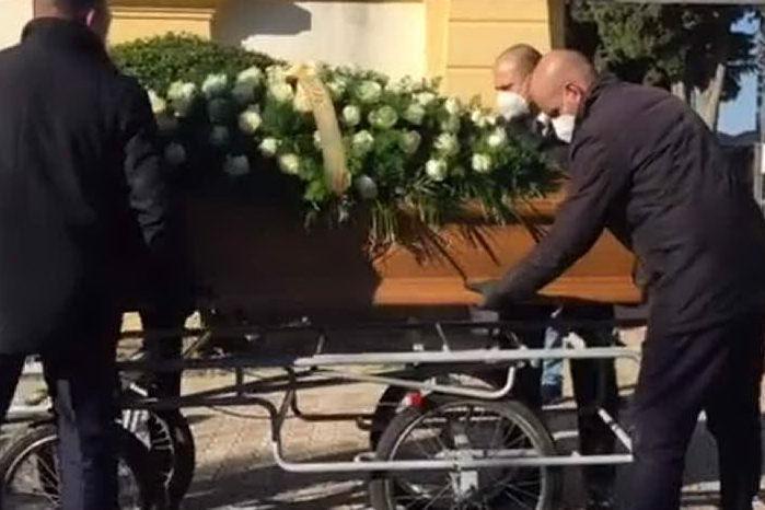 Addio Simona: il dolore di Ussana per la mamma uccisa dal Covid