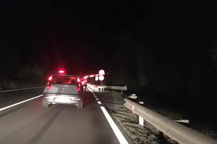 Tamponamento fra auto sulla Statale 387, disagi al traffico
